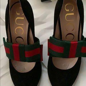 Gucci web bow pumps